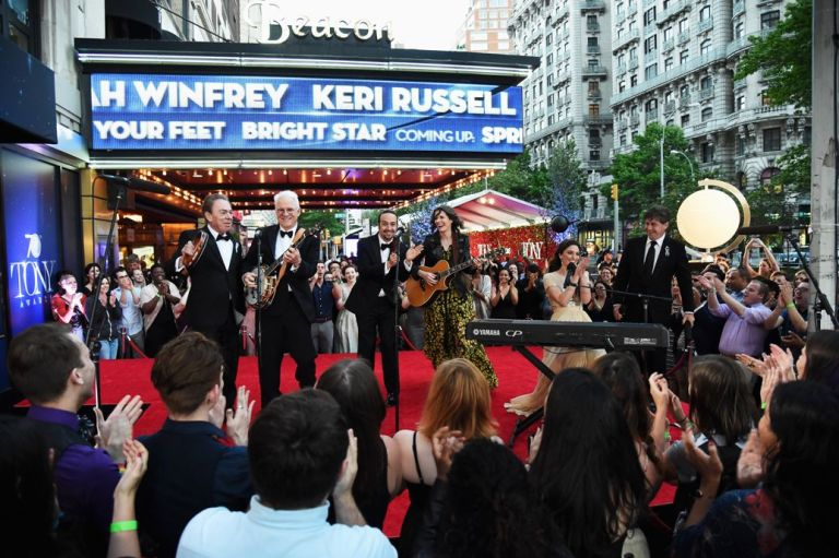 1035x689-performing-outside-tony-awards