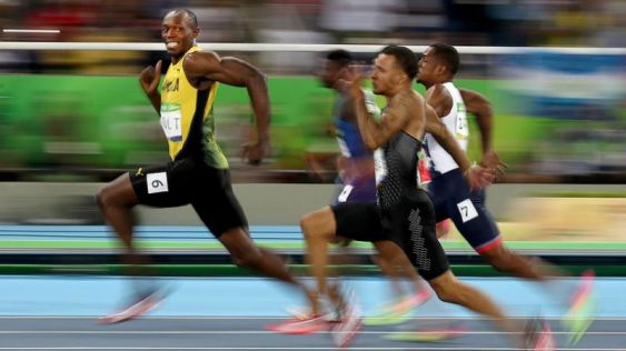 usain_bolt_smiling_during_racing_h_2016