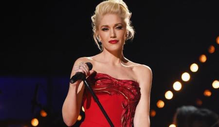 Gwen-Stefani-Goes-Christmas-Shopping-For-Blake-Shelton.jpg