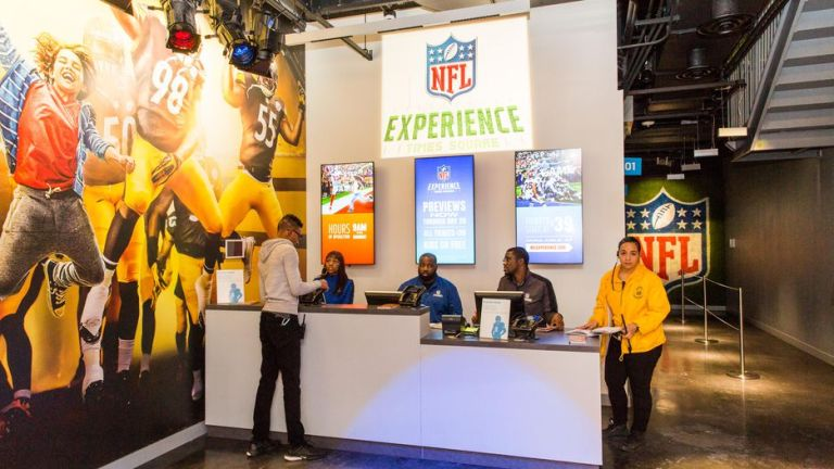 01-nfl-experience-times-square.jpg