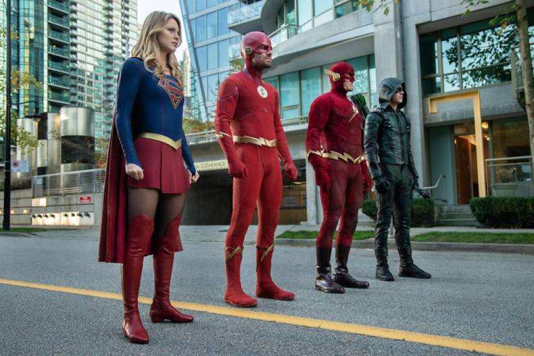 rs_1024x683-181203125216-1024x683.arrow-flash-supergirl-elseworlds-lp.12318.jpg